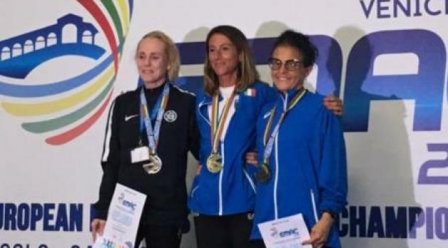 A destra Cinzia Zugnoni